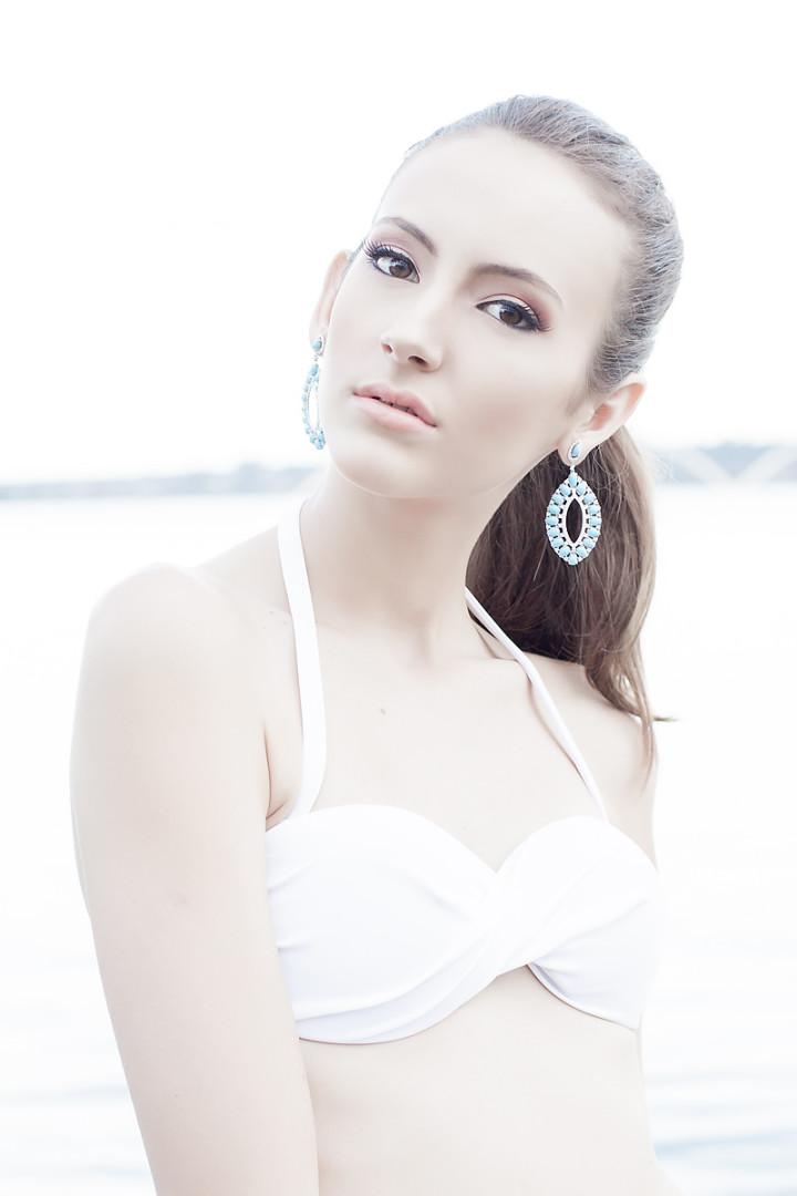 Portrait Kyra Passos