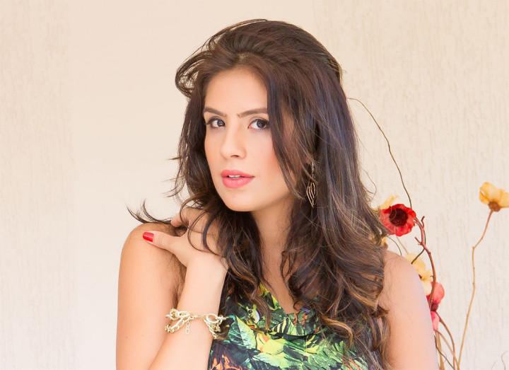 Tatiana Gutierres para o Melina Modas
